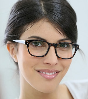 bc3b6f682e The start of a New Year means one thing when it comes to the fashion-conscious  wearer of glasses or contact lenses— the start of new trends for the coming  ...